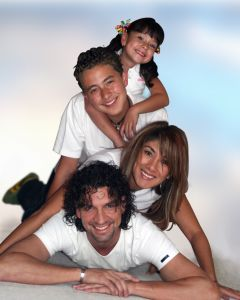 444047_happy_family[1]